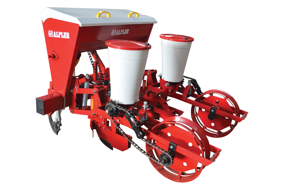Mechanical Seeding and Fertilizer Machine (Maize Planter) (RU)